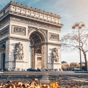 shu-EDITORIAL-France-Paris-Arc-de-Triomphe-491961382-Kuba-Barzycki-1440×823