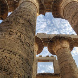 17123109 – columns in karnak temple (luxor, egypt)