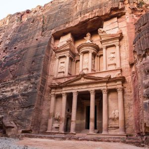 Best-Things-to-do-Petra-Jordan-post-1163×775.jpg.optimal