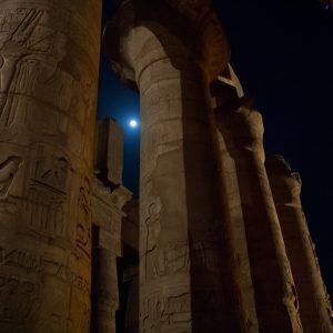 light-structure-night-arch-column-ancient-943869-pxhere.com