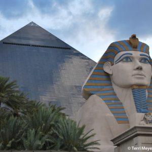 luxor-pyramid_terri-meyer-boake3